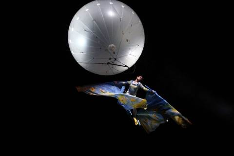 Mongolfiera e ballerina: La Luna bianca